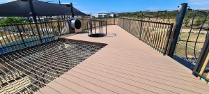 Tractio Decking - Hickory
